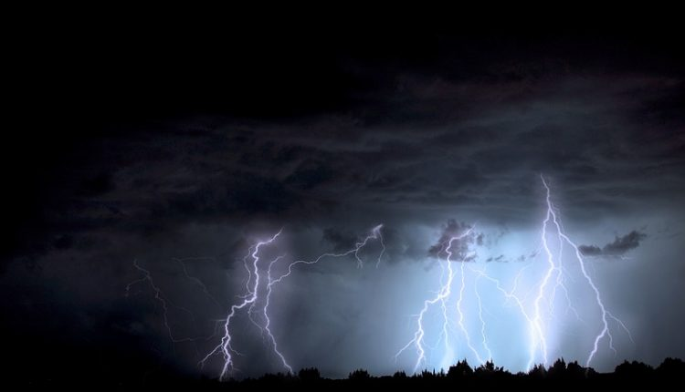 lightning-1158027_960_720