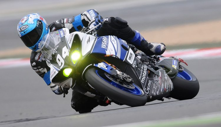 motorcycle-racer-597913_960_720
