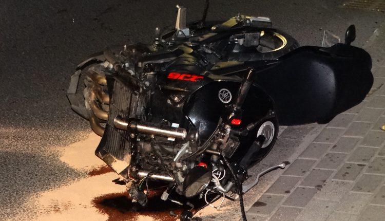 Zderzenie osobówki z motocyklem