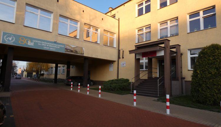 I Liceum Ogólnokształcące im. ONZ (4)