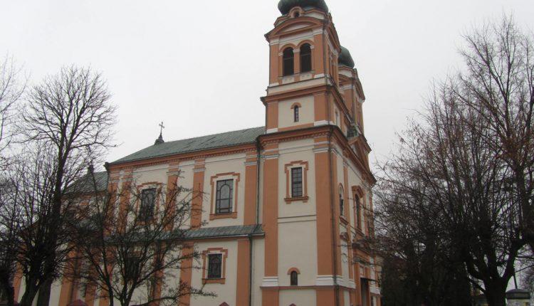 Parafia Trójcy Świętej i Wniebowzięcia Najświętszej Maryi Panny w Biłgoraju, Kościół (2)
