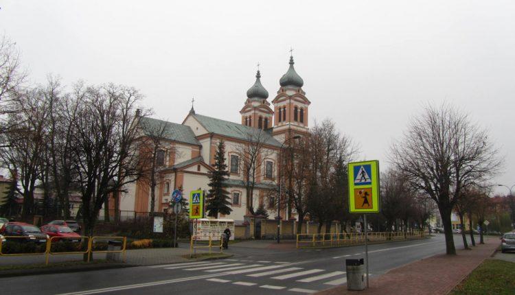 Parafia Trójcy Świętej i Wniebowzięcia Najświętszej Maryi Panny w Biłgoraju, Kościół (3)