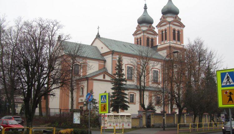 Parafia Trójcy Świętej i Wniebowzięcia Najświętszej Maryi Panny w Biłgoraju, Kościół (4)