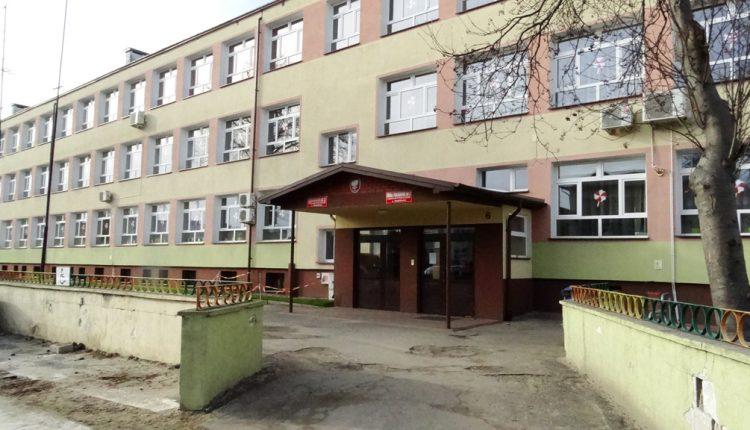 Szkoła Podstawowa Nr 3 z Oddz. Integracyjnymi w Biłgoraju (2)