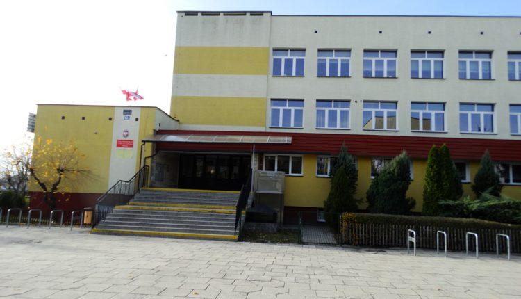 Szkoła Podstawowa nr 5 im. Ks. Jana Twardowskiego (5)