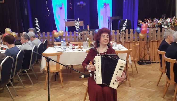 Karnawałowe spotkanie seniorów w Łukowej (film)