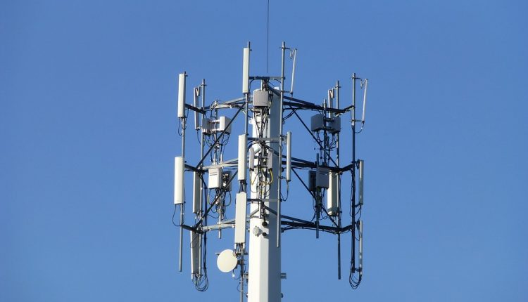 cellular-tower-1676940_960_720-750×430