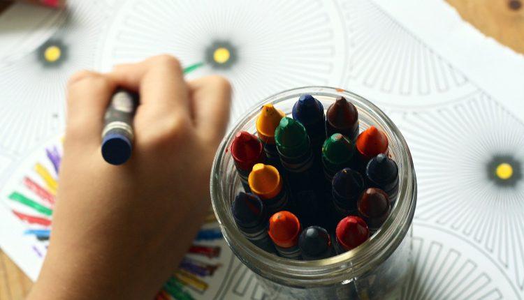 crayons-1445053_1920 (1)