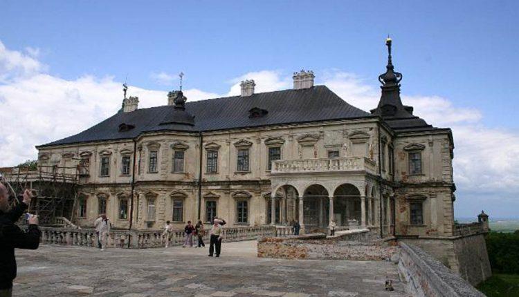 Pałac Koniecpolskich w Podhorcach na Ukrainie 1