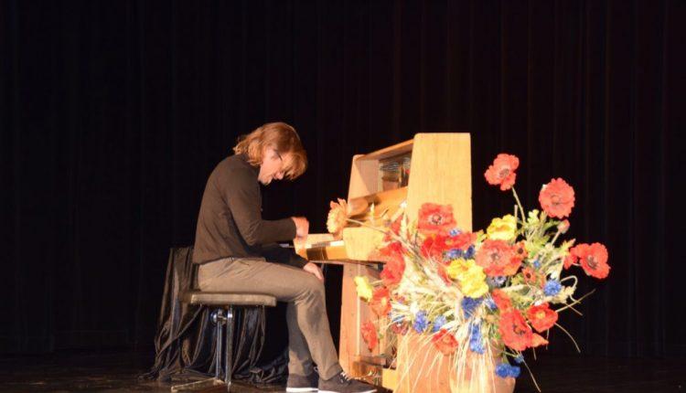 Koncert pianistyczny w TOK Tarnogród (10)