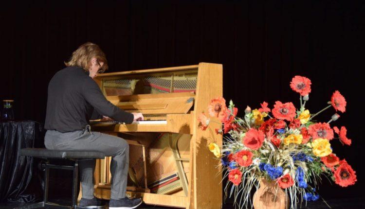 Koncert pianistyczny w TOK Tarnogród (2)